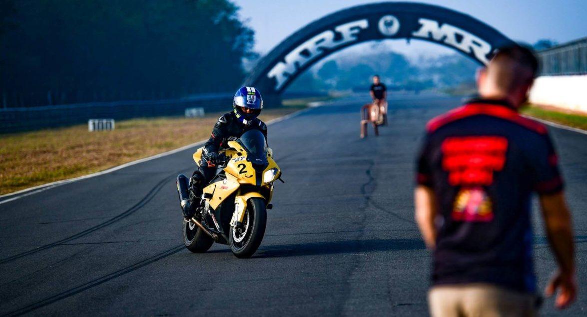 Szkolenie motocyklowe na torze