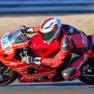 Pozycja na motocyklu – elementy składowe